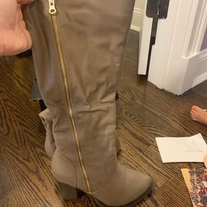 Wild Diva Lounge size 9 taupe boots worn once!